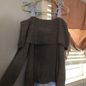 Lg maternity sweater w tie top open shoulders